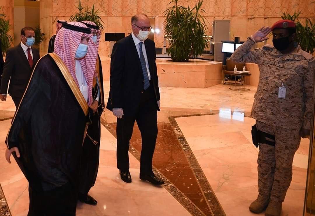 وزير المالية العراقي يحمل اربع ملفات(الكهرباء.الغاز.النفط.الاقتراض)