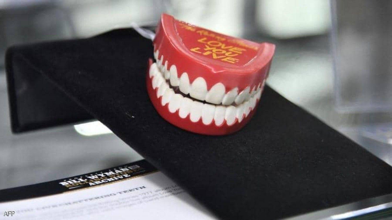 احد  جرب  وزرع  اسنان   ينصحنا .....  لو  تكرمتم    في الآتي...