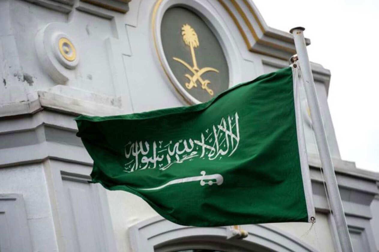جميع السعوديين مغادرة سيرلانكا فورا