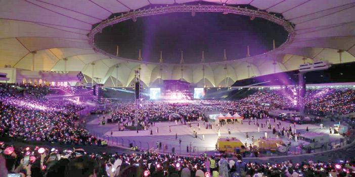 مصدومين من كثافة الحضور لحفلة bts الكورية. ؟؟؟