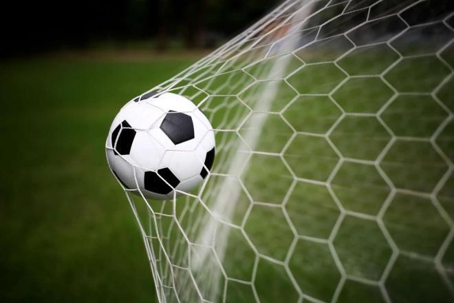 لهواة كرة القدم , الان مباراة قويه على قناة ابوظبي الرياضيه 2