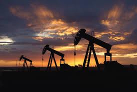 صعود قوي في أسعار النفط في ظل محاولات أعضاء أوبك تمديد الإتفاقية