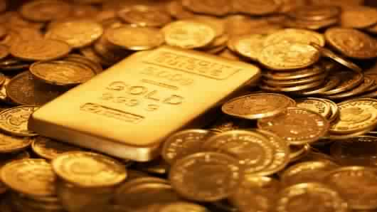 الذهب يتراجع في ظل إرتفاع طفيف للدولار في بداية تعاملات اليوم